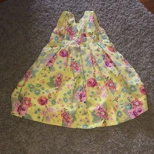 Girls size 7 yellow floral print dress!